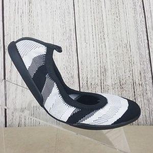 Yosi Samra Camellia Foldable Ballet Flats Size 9